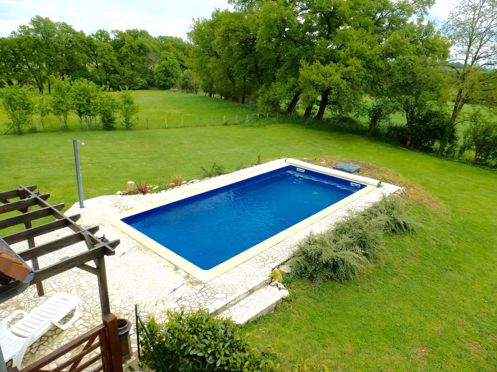 Immobilier figeac art et maisons 1042 superbe for Camping figeac avec piscine