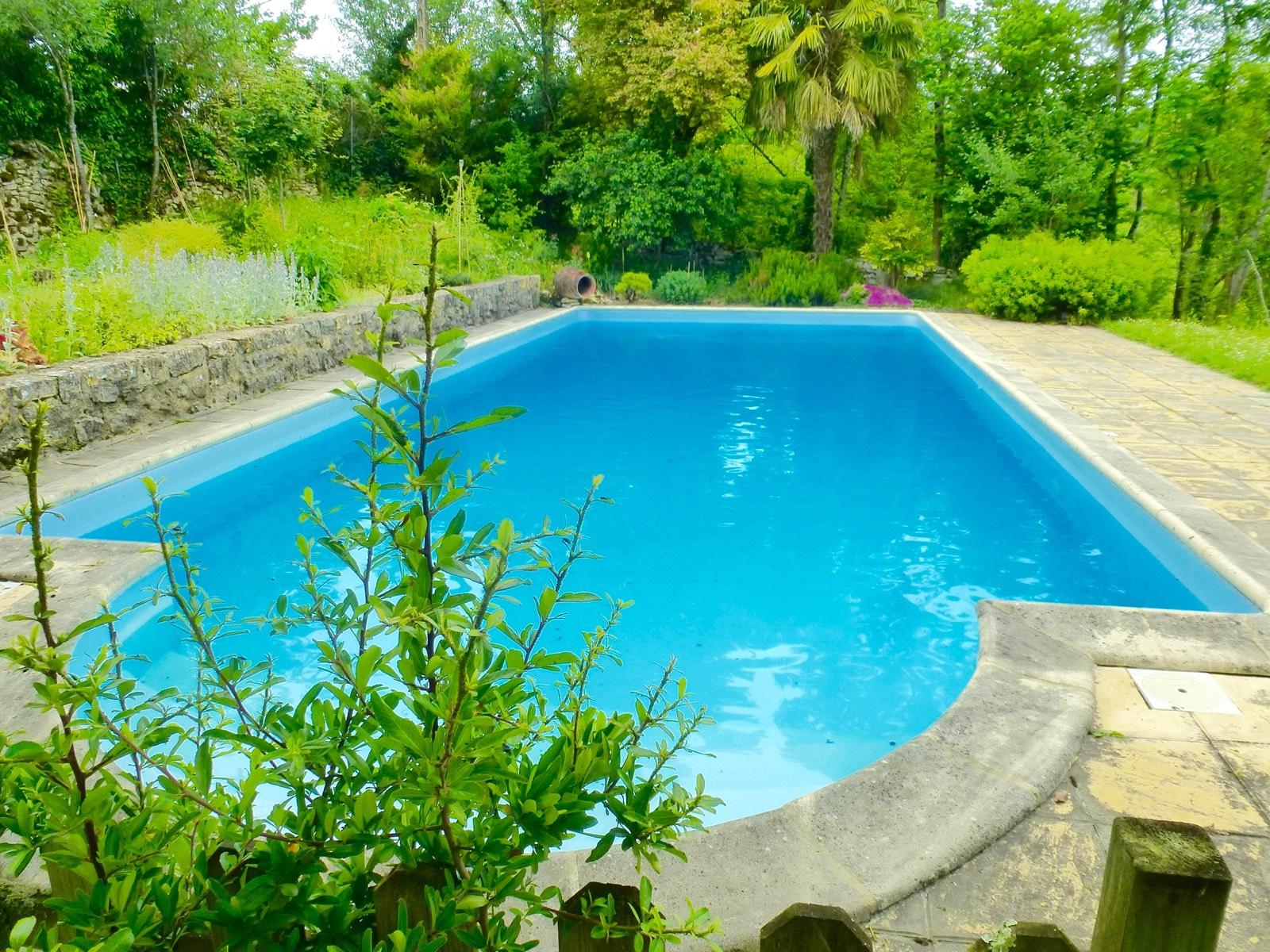 Immobilier figeac art et maisons 1043 maison for Camping figeac avec piscine